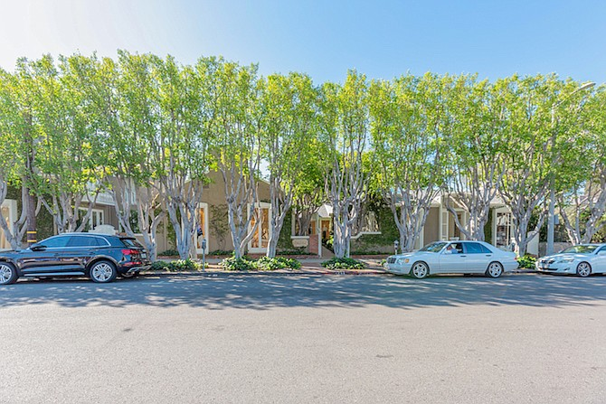 8436 to 8452 Melrose Place