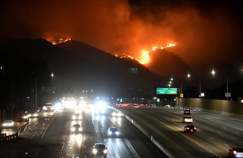 The Getty Fire burns next to the 405 freeway in the hills of West Los Angeles, California, U.S. October 28, 2019. REUTERS/Gene Blevins