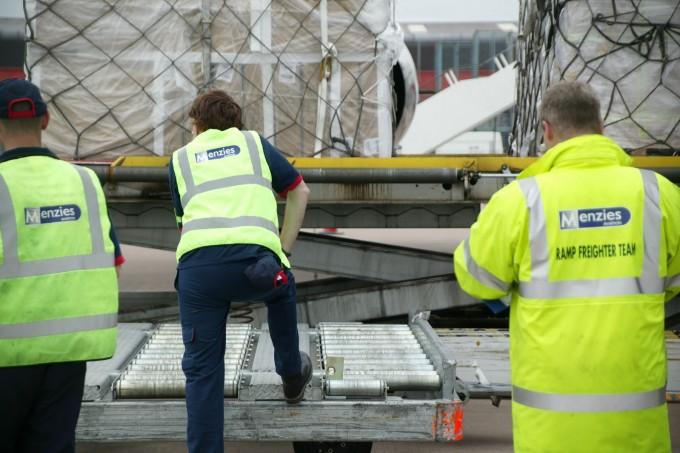 Menzies cargo handling 4