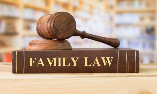 Family law/photo by create jobs 51/ Shutterstock.com