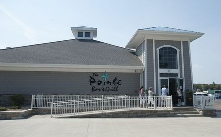 The Pointe Bar and Grill