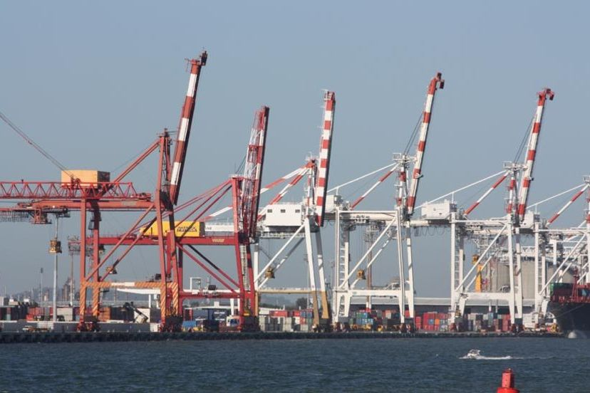 Shipping container cranes at Port of Brisbane