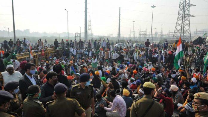 Farmers protest at Ghazipur border | Photo: Suraj Singh Bisht | ThePrint