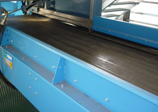 Waste rubber conveyor belts, waste conveyors