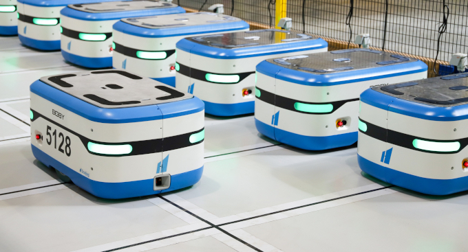 Under its strategy of international development, Scallog has signed a major commercial agreement with Bastian Solutions, an integrator and one of the world's top 20 logistics automation solutions providers, to market the Scallog goods-to-person robots for warehouses on the other side of the Atlantic.
