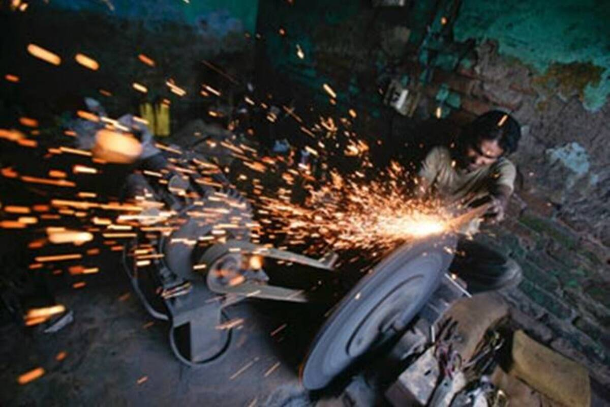 india industrial production increases in october manufacturing sector also shows growth